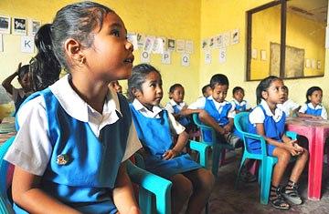 Uma escola básica em Manatuto, cidade a leste da capital, Díli: através da educação, a Língua Portuguesa volta a ganhar vida em Timor-Leste.