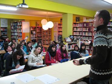 Classe de Língua Portuguesa em escola secundária de Perdouro de Burela, na costa norte da Galiza: acesso ao Português e valorização da cultura galega.