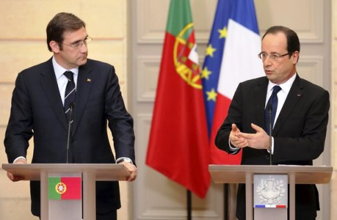 O primeiro-ministro de Portugal, Pedro Passos Coelho e o presidente francês, François Hollande: declaração conjunta em defesa do ensino das línguas francesa e portuguesa.