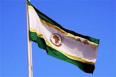 """A União Africana celebrou seus 50 anos: a Lusofonia tem """"um longo caminho a percorrer"""" para a sua afirmação na África."""