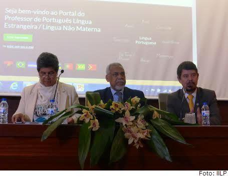 Da esq. para a dir.: a diretora geral do IILP, Georgina de Mello; o sercetário-executivo da CPLP, Murade Murargy; e o diretor-executivo do IILP, Gilvan Müller de Oliveira, na abertura do Curso de Capacitação de PLE do IILP em Lisboa.