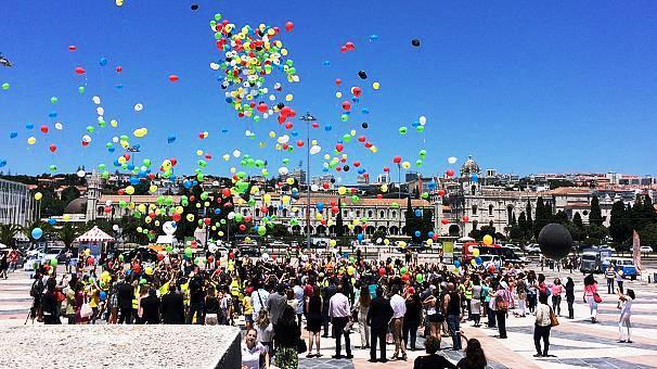 Durante as festividades do Padrão dos Descobrimentos, cerca de 800 balões foram lançados ao céu em homenagem aos 800 anos da Língua Portuguesa.