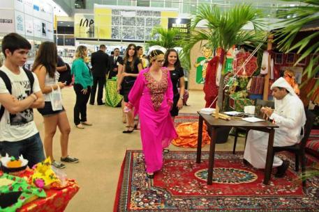 O país homenageado da Feira Pan-Amazônica deste ano é o Catar: um pouco da cultura e da literatura árabe em exposição.
