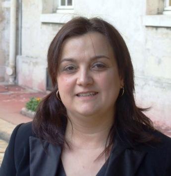 "Isabelle Oliveira: ""Queremos é restabelecer o poder da Língua Portuguesa, dar-lhe o lugar que ela merece."""
